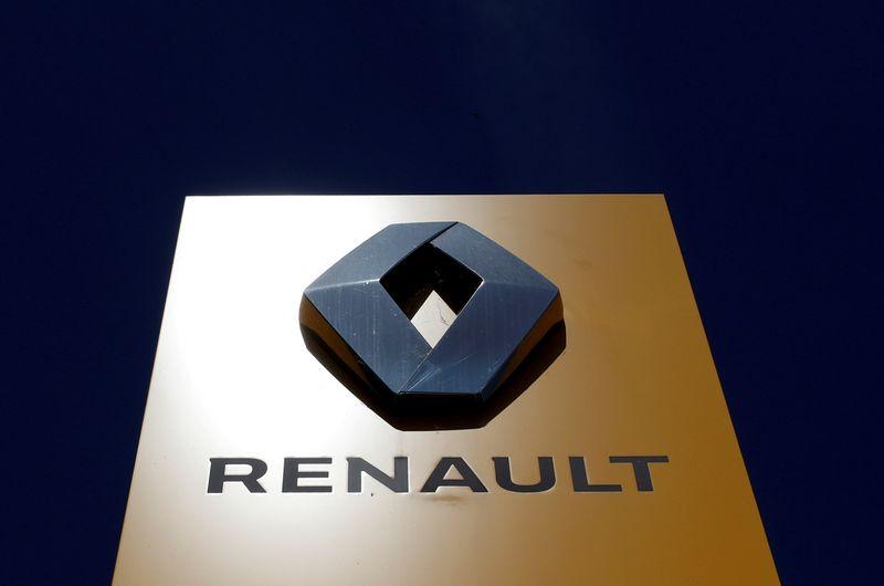 © Reuters. RENAULT EST À SUIVRE À LA BOURSE DE PARIS