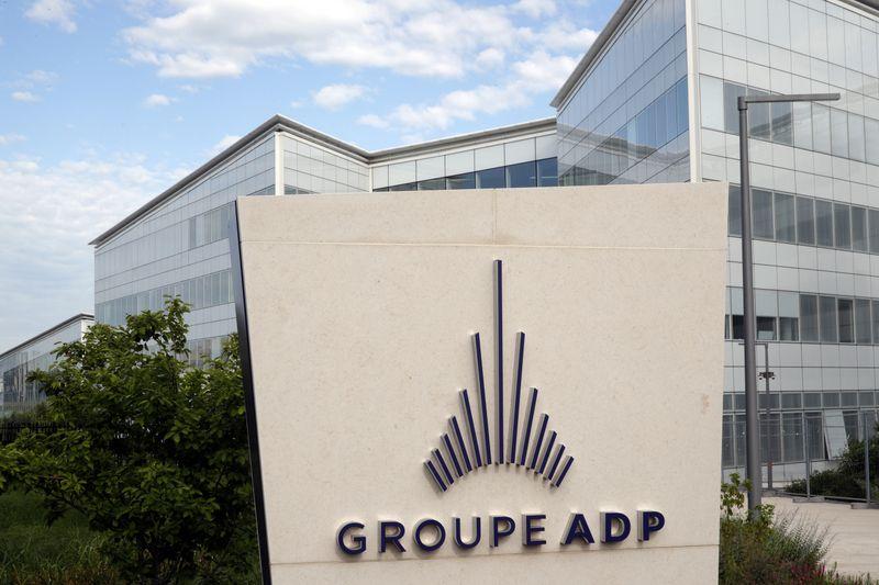© Reuters. ADP EST À SUIVRE À LA BOURSE DE PARIS