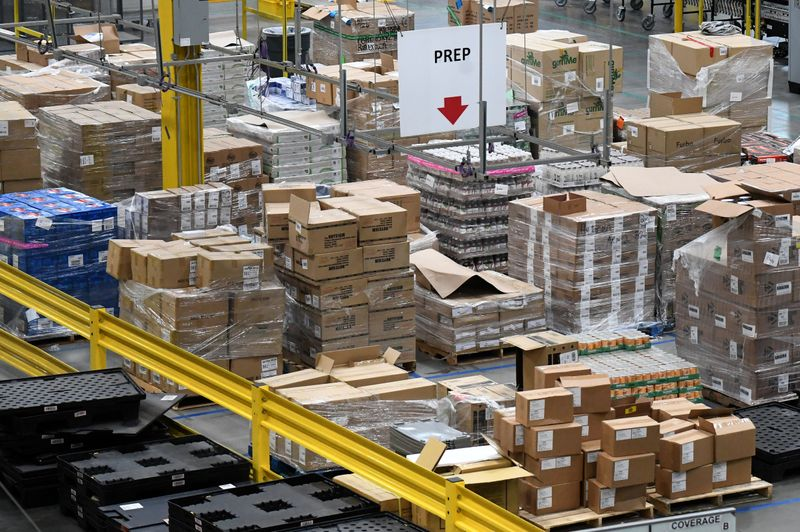 U.S. business inventories increase further in September