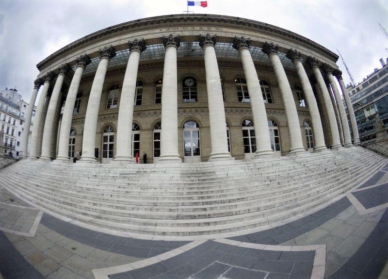 © Reuters. CLÔTURE EN ORDRE DISPERSÉ EN EUROPE