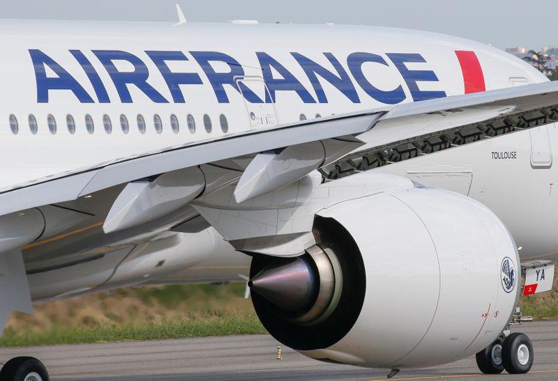 © Reuters. CORONAVIRUS: AIR FRANCE SE PRÉPARE AU DÉFI LOGISTIQUE DE LA DISTRIBUTION DU VACCIN
