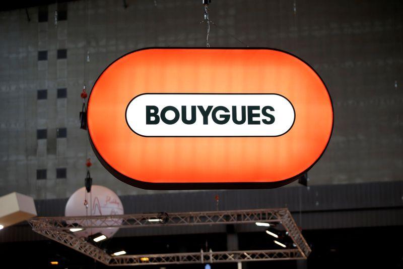 © Reuters. BOUYGUES RELÈVE SES PRÉVISIONS POUR LE 2E SEMESTRE APRÈS UNE FORTE REPRISE AU 3E TRIMESTRE