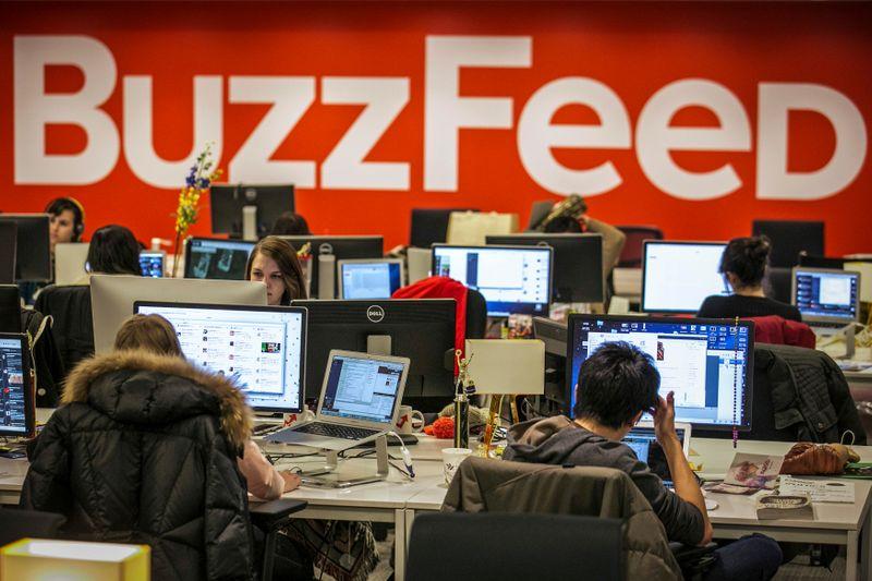 米バズフィードがハフポスト買収、オンラインメディア再編加速