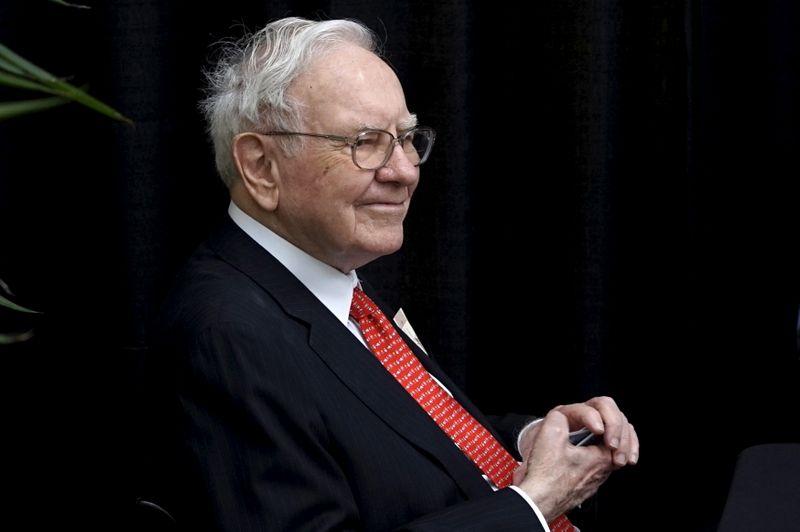 Buffett's NetJets sees boost in 2021 from nervous wealthy fliers