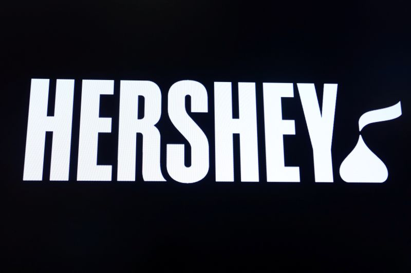U.S. company Hershey grabs cocoa stocks from exchange, avoids African price premium
