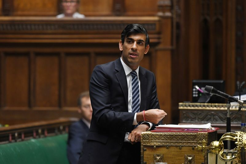 © Reuters. FILE PHOTO: Britain's Chancellor of the Exchequer Rishi Sunak speaks at the House of Commons in London