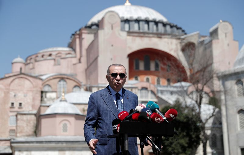 © Reuters. FILE PHOTO: Turkish President Erdogan talks to the media after attending Friday prayers at Hagia Sophia Grand Mosque in Istanbul