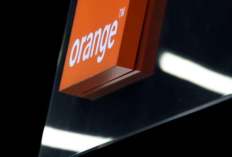 © Reuters. ORANGE DÉMENT TOUT PROJET D'ACQUISITION D'ATOS