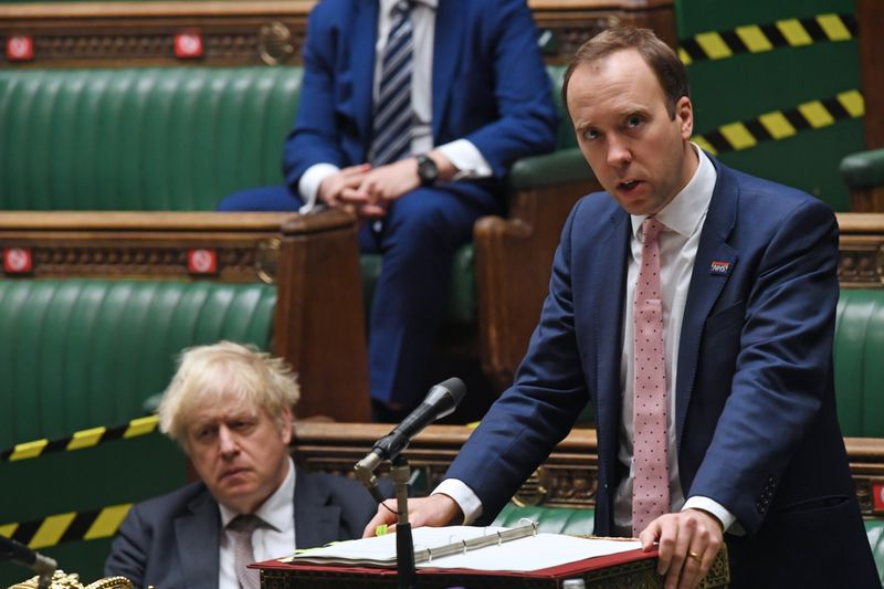 © Reuters. CORONAVIRUS: LONDRES DEMANDE À LA MHRA D'ÉVALUER LE VACCIN DÉVELOPPÉ PAR ASTRAZENECA