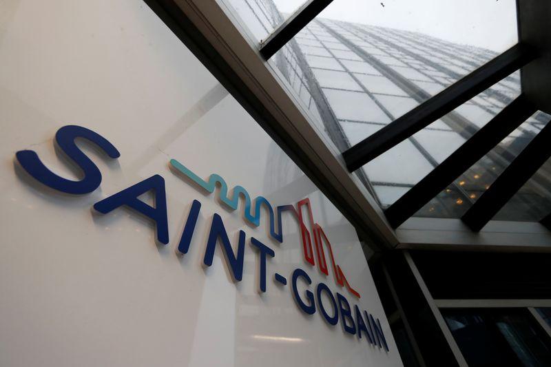 © Reuters. SAINT-GOBAIN À SUIVRE À PARIS