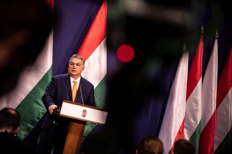 © Reuters. ORBAN EXCLUT TOUT COMPROMIS SUR LE BUDGET DE L'UE