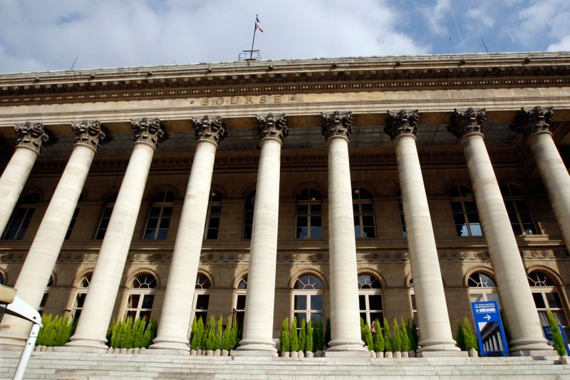 © Reuters. LES BOURSES EUROPÉENNES EN HAUSSE À LA FERMETURE