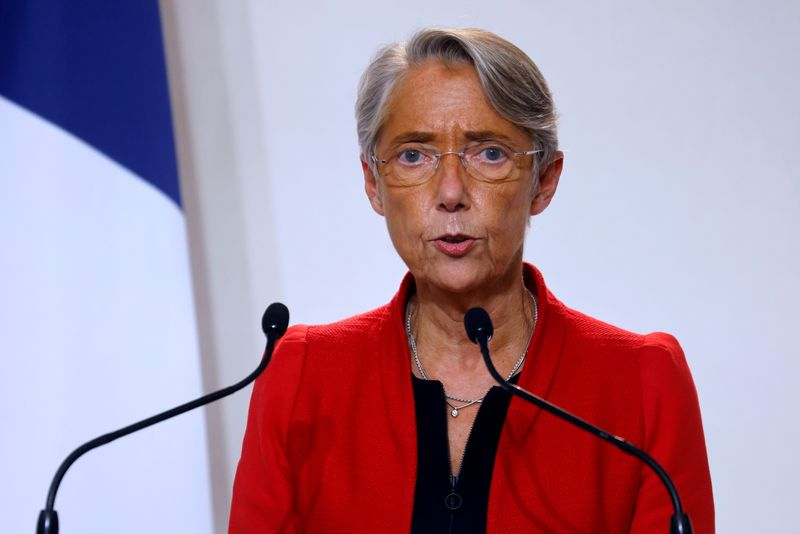 © Reuters. FRANCE: ELISABETH BORNE ESPÈRE UN REFLUX DU CHÔMAGE EN 2021