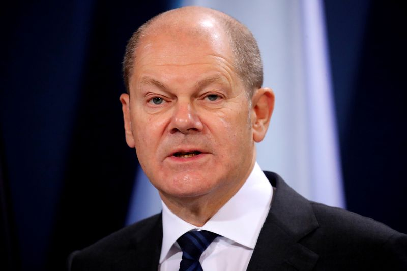 Euro zone ministers agree to use ESM fund to backstop bank resolution