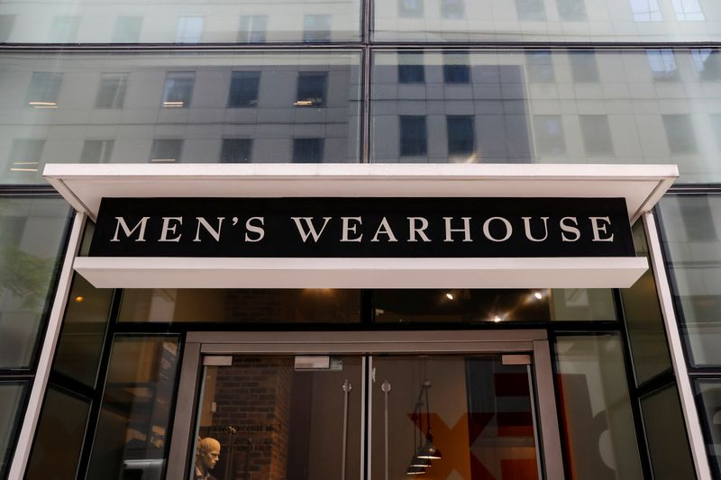 © Reuters. A Tailored Brands Men's Wearhouse store is seen in New York