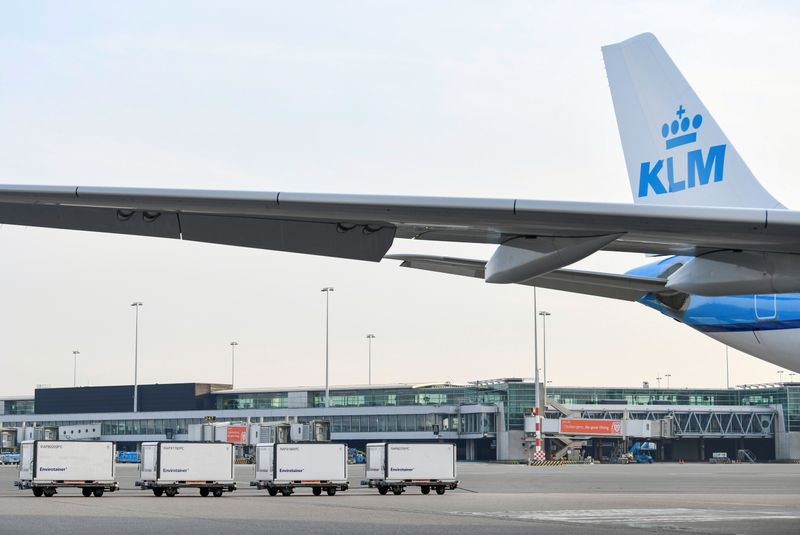 © Reuters. FILE PHOTO: Cool boxes are seen at Amsterdam's Schiphol Airport