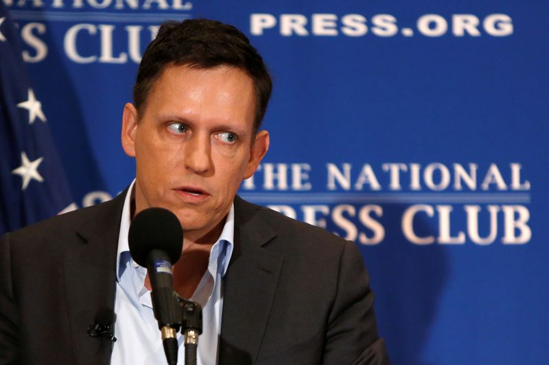 © Reuters. FILE PHOTO: PayPal co-founder and Facebook board member Thiel delivers speech on US presidential election at the National Press Club in Washington
