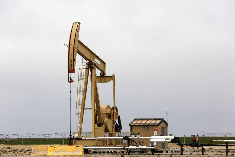 Preços do petróleo caem diante de aumento de casos de Covid-19 e tensão EUA-China