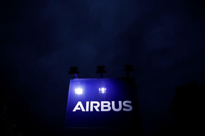 © Reuters. AIRBUS EST À SUIVRE À LA BOURSE DE PARIS