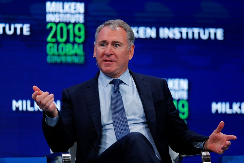 © Reuters. FILE PHOTO: Ken Griffin, Founder and CEO, Citadel, speaks during the Milken Institute's 22nd annual Global Conference in Beverly Hills, California