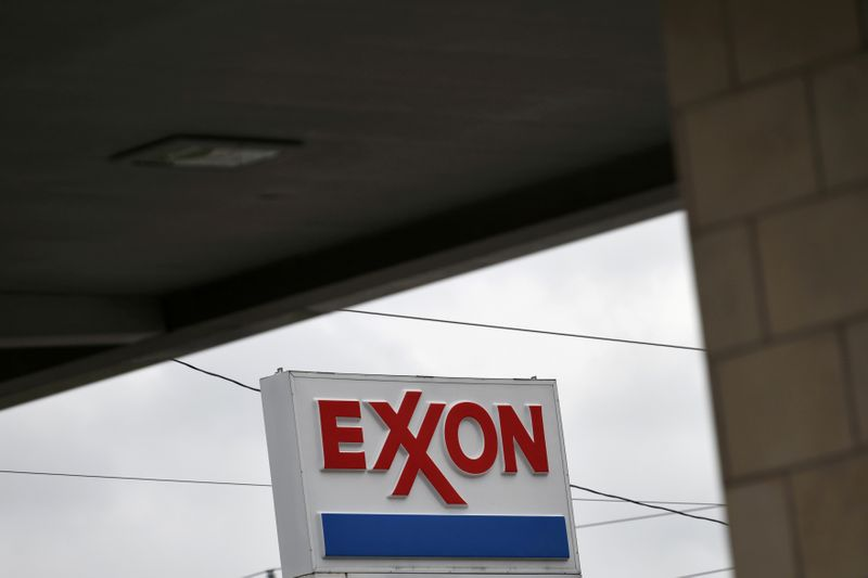 © Reuters. FILE PHOTO: An Exxon gas station is seen in Houston