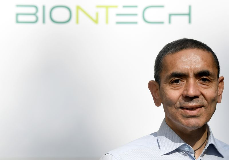 © Reuters. Ugur Sahin, CEO and co-founder of German biotech firm BioNTech, is interviewed by journalists in Marburg
