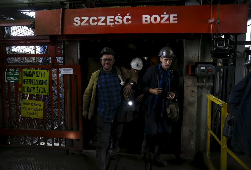 Polish coal boss warns of unemployment jump if mines close too fast