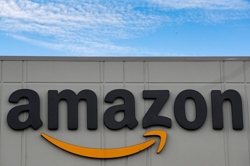 Amazon asks U.S. to include warehouse, grocery staff in vaccine rollout