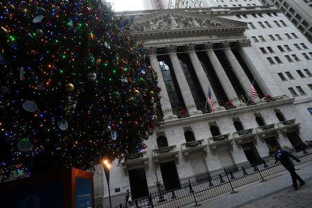 Investors bet old-school retailers will rebound in 2021 By Reuters