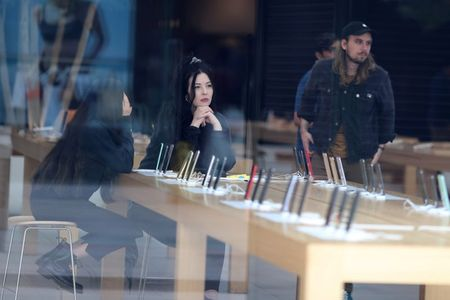 Apple temporarily shuts all California stores amid COVID-19 outbreak By Reuters