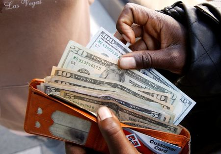 Dollar climbs, sterling sinks as coronavirus lockdowns stoke haven demand By Reuters