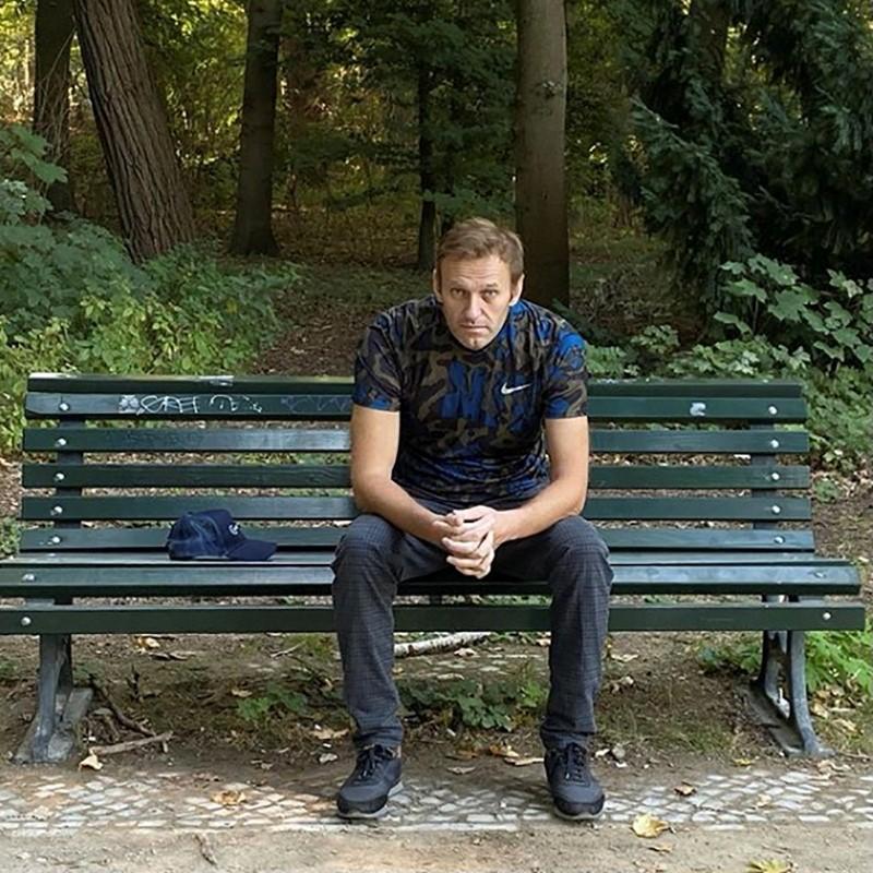 Навальный сообщил, что вынудил тайного агента рассказать о деталях своего отравления