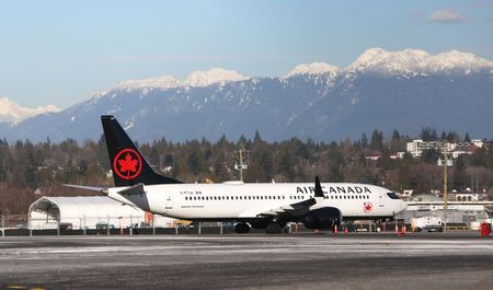 Air Canada Boeing 737-8 MAX suffers engine issue By Reuters