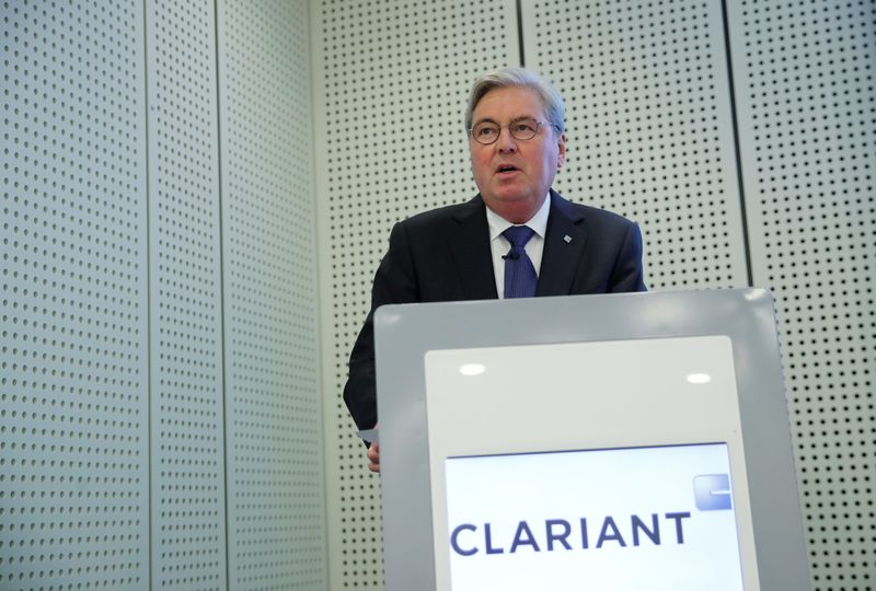 © Reuters. CEO Kottmann of the Swiss specialty-chemical company Clariant addresses a news conference in Zurich