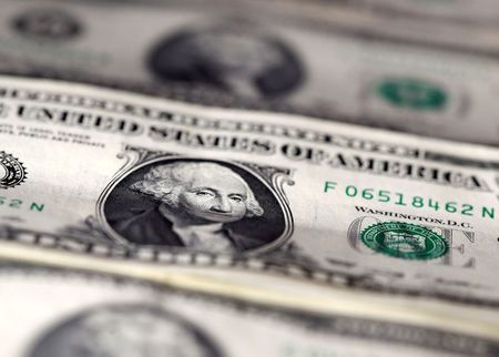 Dollar falls as FX investors look past latest U.S. stimulus delay By Reuters