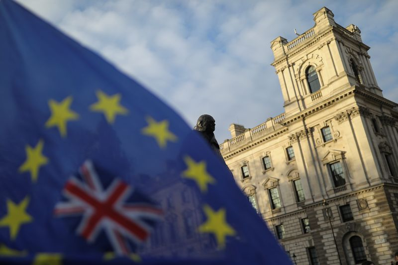 House of Commons overwhelmingly backs Brexit trade deal