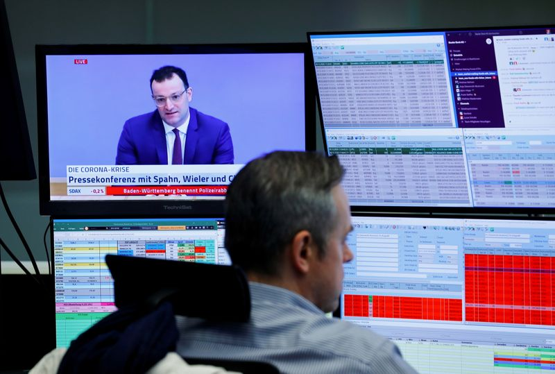 European stocks retreat, set to end 2020 with losses