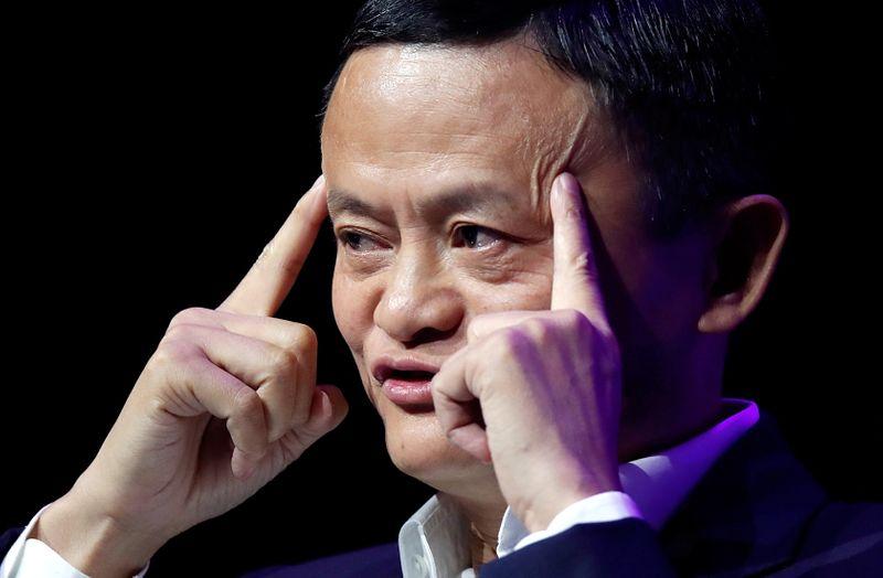 © Reuters. FILE PHOTO: Alibaba Chairman Jack Ma speaks at VivaTech fair in Paris