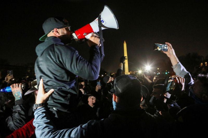 Leave your guns at home, Washington police warn pro-Trump rally-goers