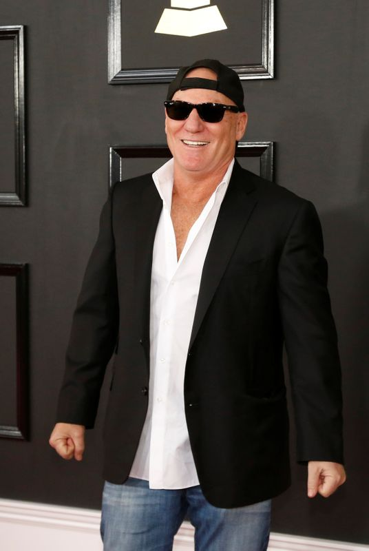 © Reuters. FILE PHOTO: Steve Madden arrives at the 59th Annual Grammy Awards in Los Angeles