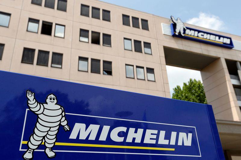 © Reuters. MICHELIN COMPTE SUPPRIMER 2.300 POSTES EN FRANCE