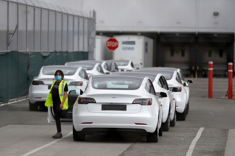 © Reuters. Tesla's primary vehicle factory reopens in Fremont