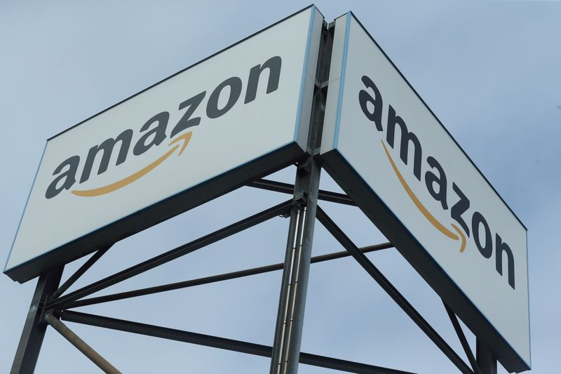 © Reuters. FILE PHOTO: An Amazon logo is pictured at a logistics centre in Mannheim