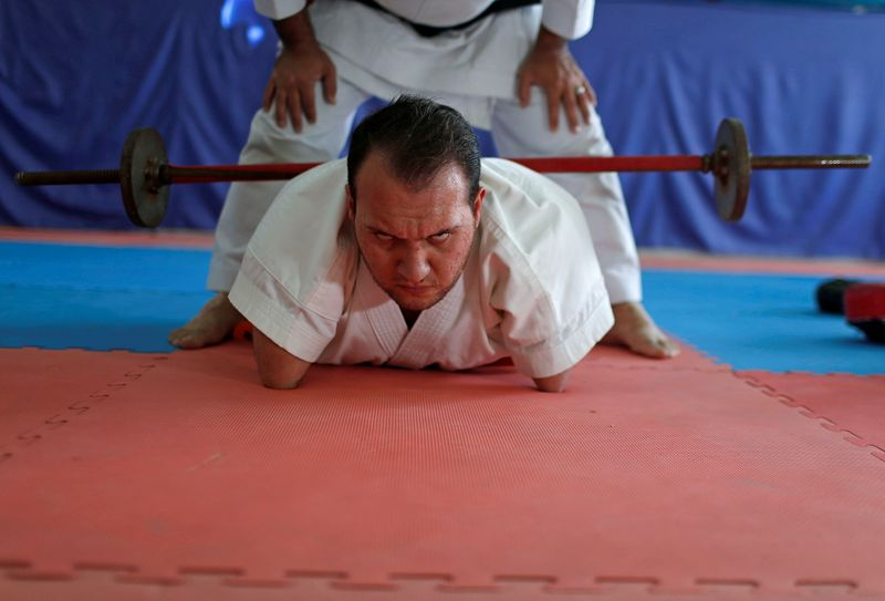 © Reuters. Gaza man with disabilities conquers karate