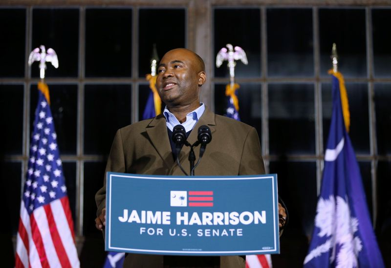 © Reuters. Democratic U.S. Senate candidate Jaime Harrison speaks at a watch party during Election Day in Columbia, South Carolina