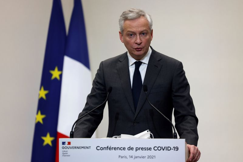© Reuters. FILE PHOTO: French Prime Minister Jean Castex holds a press conference in Paris