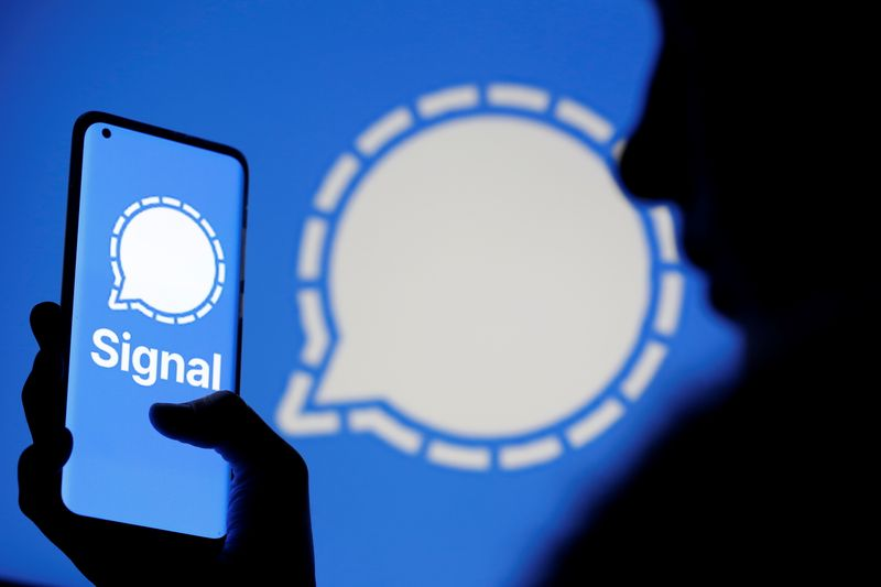 © Reuters. Photo illustration of Signal messaging app