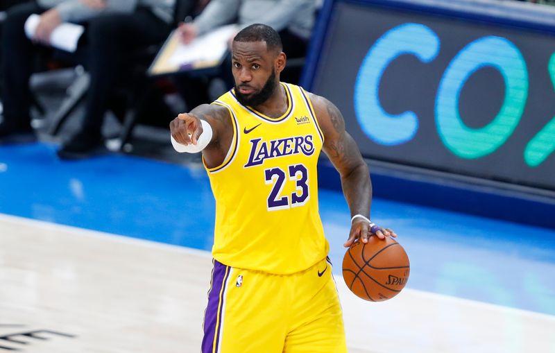 © Reuters. NBA: Los Angeles Lakers at Oklahoma City Thunder