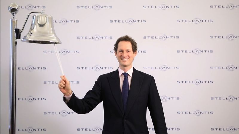 © Reuters. Shares in Stellantis start trading up in Milan