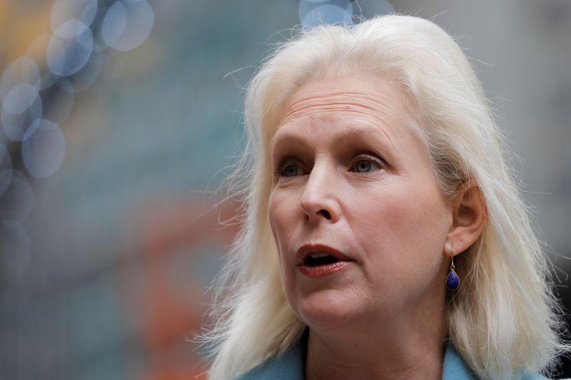 © Reuters. U.S. Senator Chuck Schumer and U.S Senator Kirsten Gillibrand deliver remarks on the coronavirus disease